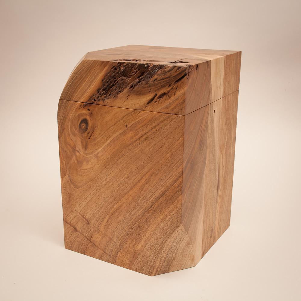 urne walnu christian masche. Black Bedroom Furniture Sets. Home Design Ideas